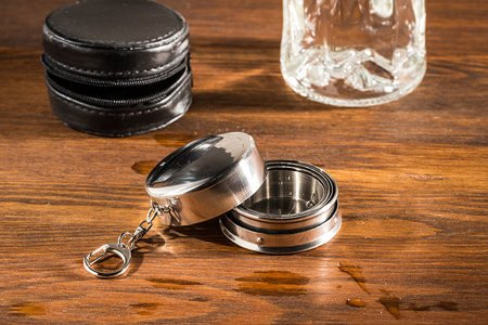Stainless steel collapsible shot glass