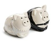 Salt & Pepper Shakers PIGS