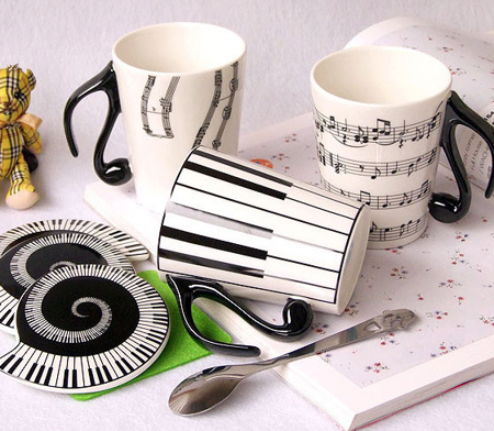 Music mug with lid - KEYBOARD