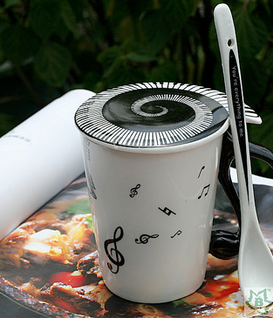 Music mug with lid - NOTES